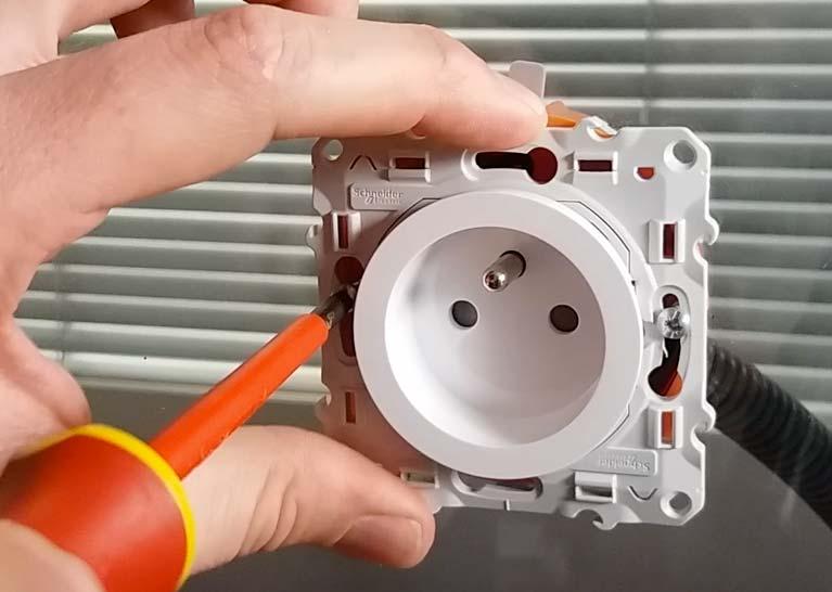 Installation électrique sur ales, tableau, prise, câblage, domotique