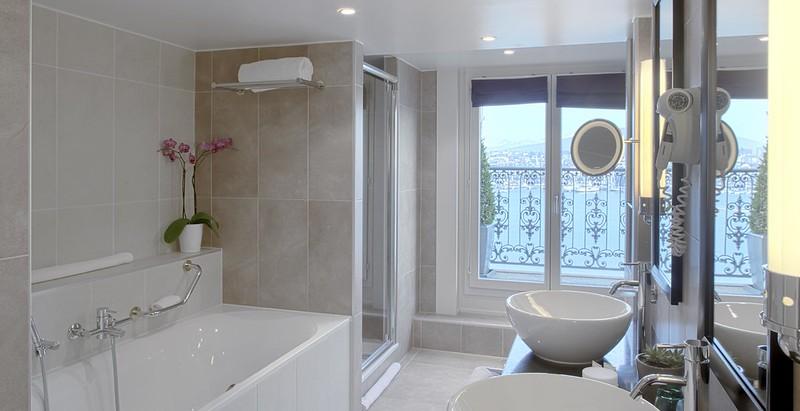 salle de bain posé par plombier ales