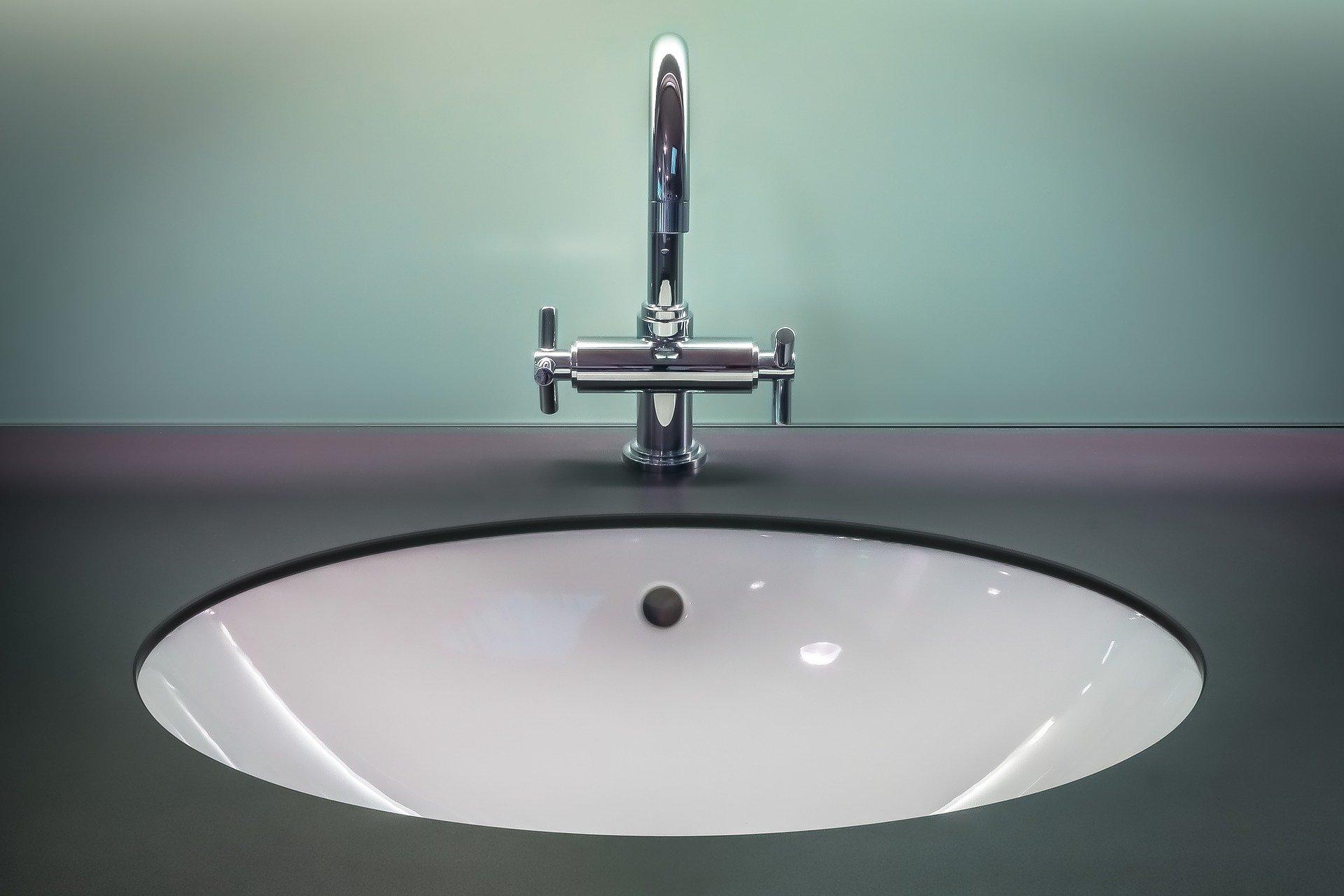 Installation de robinet cuisine, salle de bain, douche